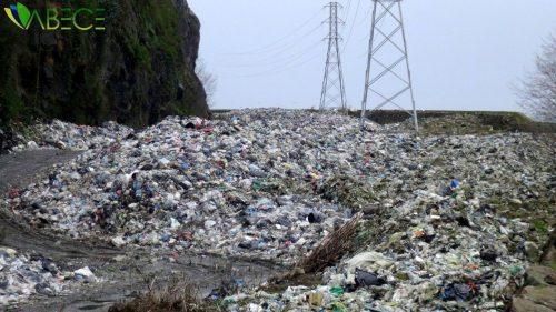 Karadeniz Sahil Yolu Çöp Deposu Oldu